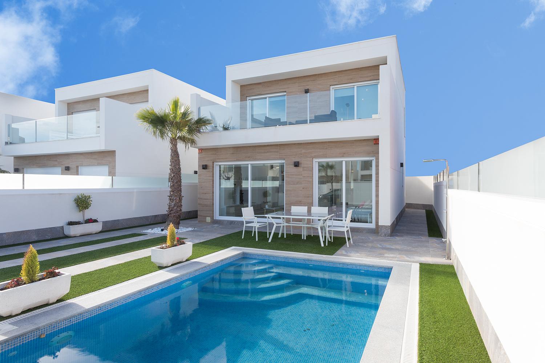 Einfamilienhaus mit Schwimmbad Aussenansicht