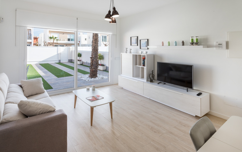 Wohnzimmer mit Ausgang zum Garten