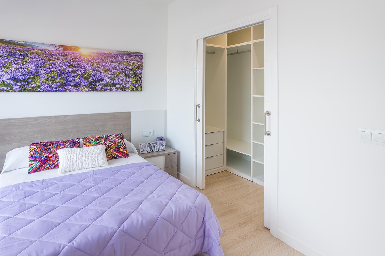Begehbarer Kleiderschrank im Hauptschlafzimmer